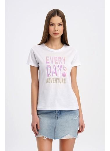 Nismia Hologram Baskılı Basic Tshirt Beyaz
